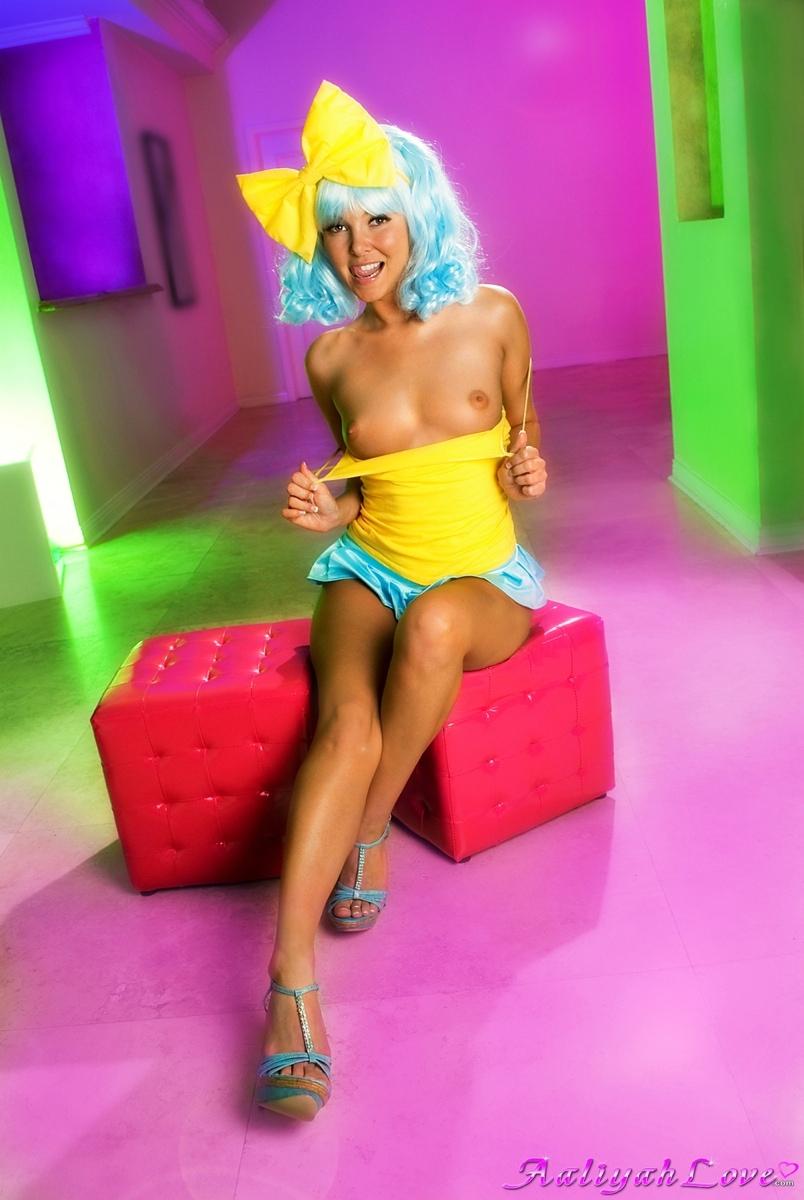 Aaliyah Love - Aaliyah Love Naked Play at AmateurIndex.com