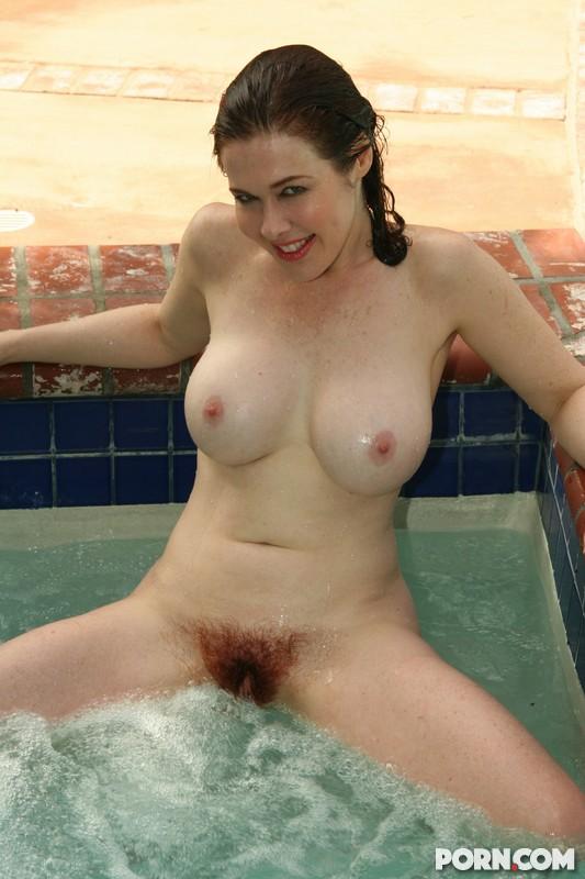 Skinny dipping girls amateur
