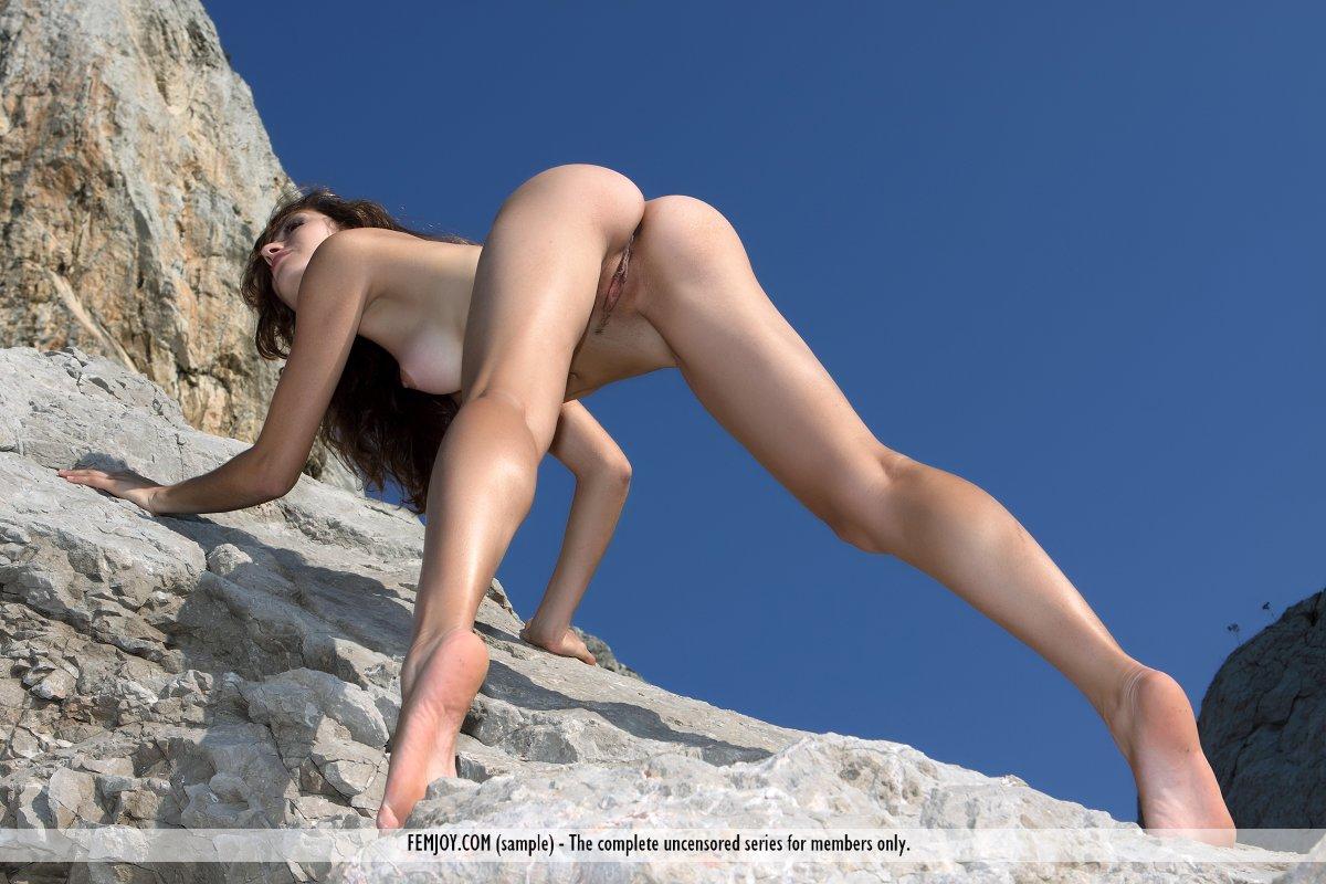 Nude Mountain Climbing Girls