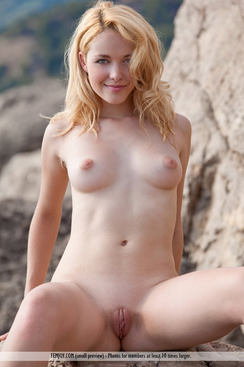 movie Blondes galleries nude