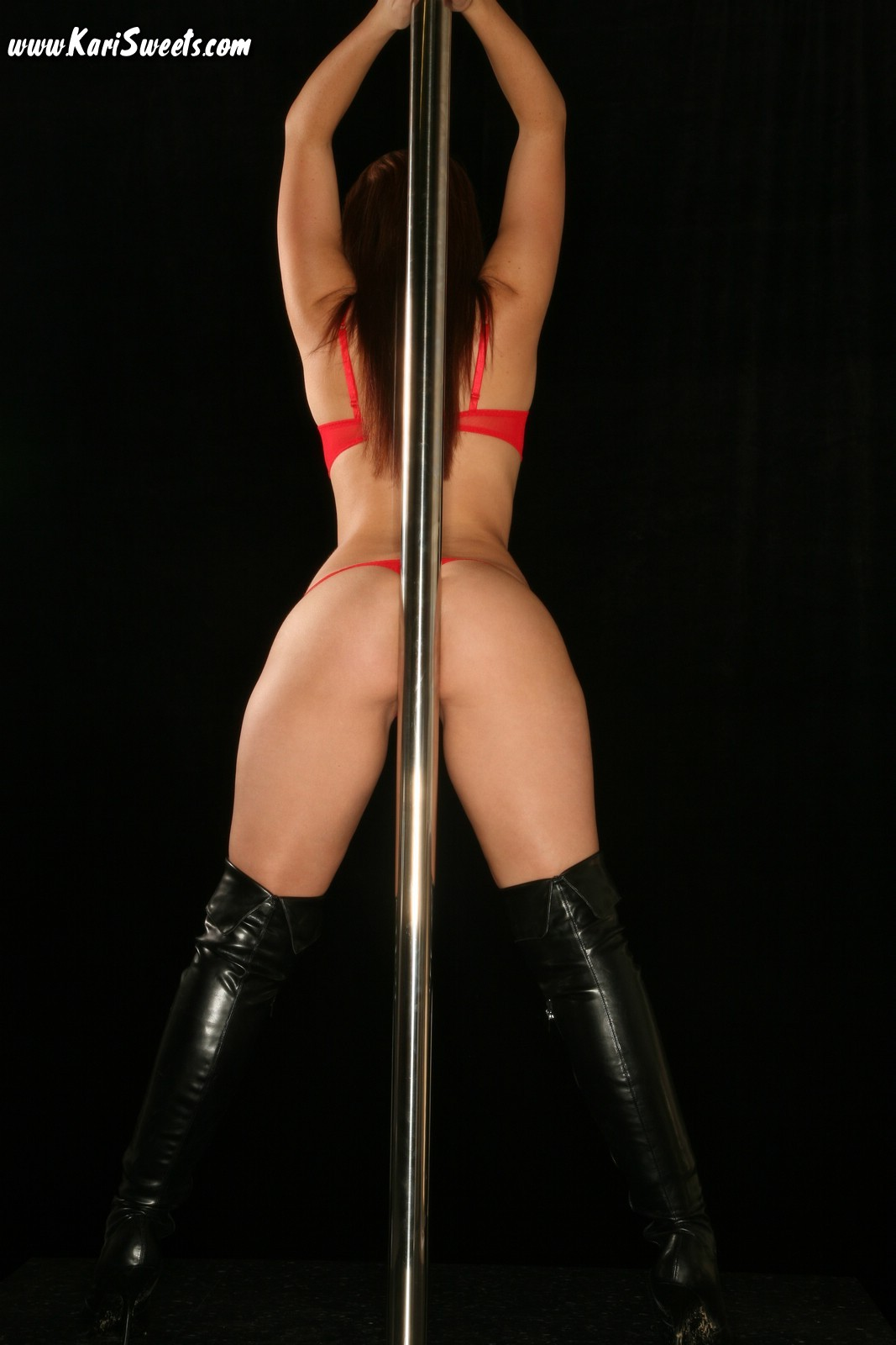 Dancing sexy girls pole