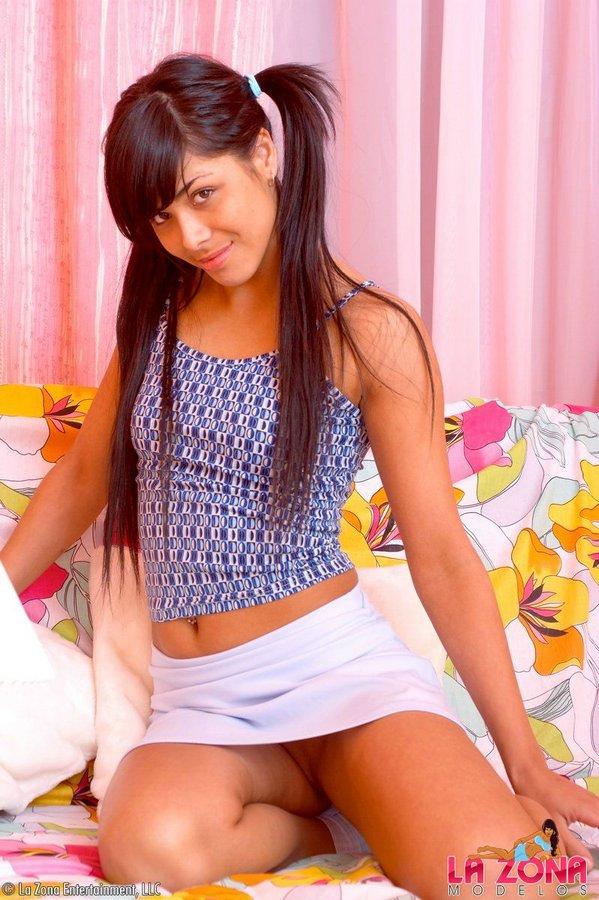 Amateur Latina Milf Young