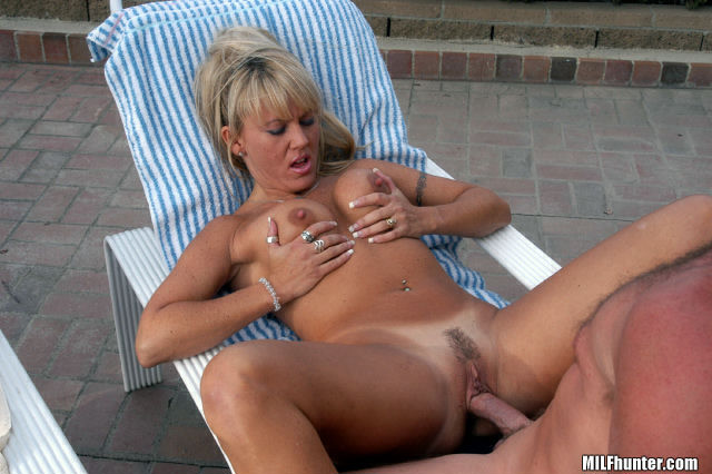 Blonde MILF banged outdoors