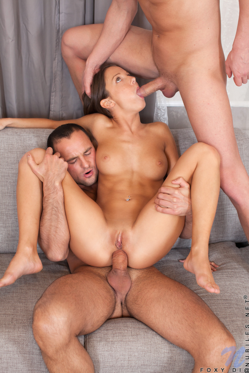 sex de brunette threesome