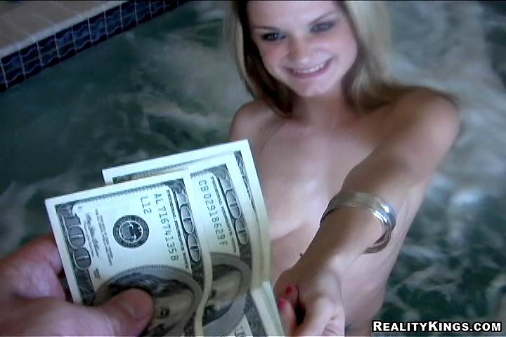 Girl gives blowjob for money